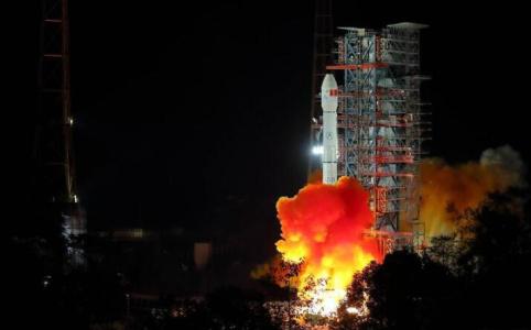 """70年,中国航天发射次数从零""""飞""""到300+"""
