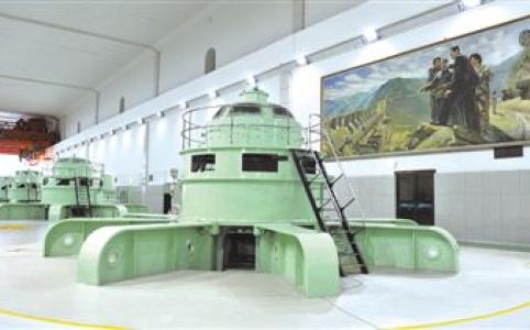 """【新中国的""""第一""""·70年】新安江水电站——一湖碧水 千亿能量"""